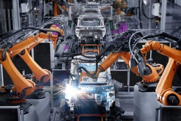 Việc ứng dụng Robots trong các ngành sản xuất có gì mới đối vưới các nhà máy sản xuất